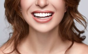 How to have white teeth? Discover all the natural remedies